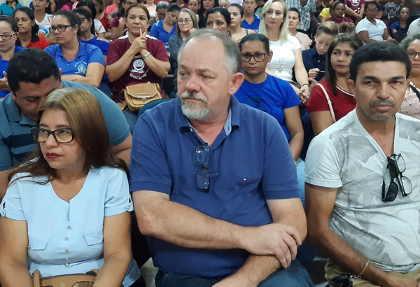Vereadores de Floresta do Araguaia, aprovaram o PL que restabelece o direito à carreira dos trabalhadores em educação