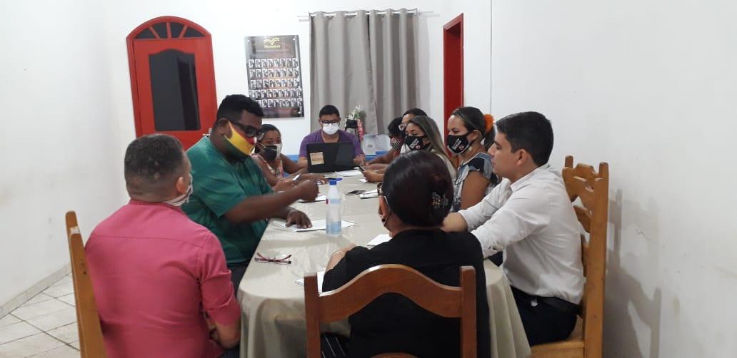 SINTEPP Irituia debate demandas de educadores (as) com nova Gestão da SEMED